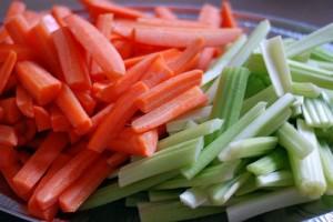 celery_and_carrot_sticks.145221345_std